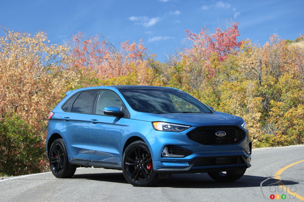 first drive of the 2019 ford edge st car reviews auto123. Black Bedroom Furniture Sets. Home Design Ideas