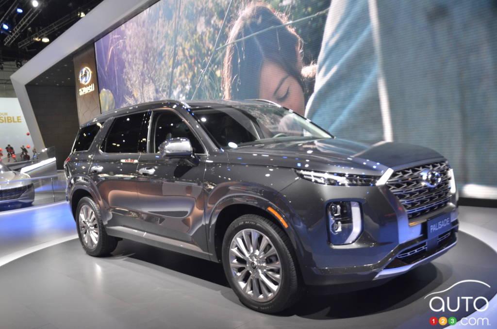 Hyundai Palisade SUV debuts - Gets 3 rows, 8 seats, 20 inch tyres
