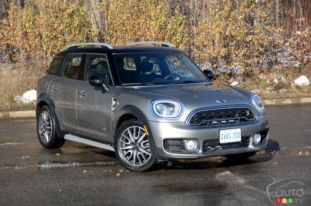 2018 mini cooper s e countryman all4 review and pricing. Black Bedroom Furniture Sets. Home Design Ideas