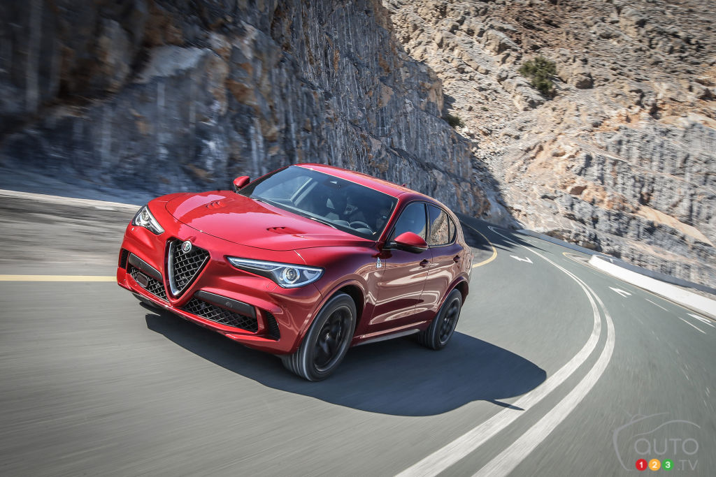 le prix de l alfa romeo stelvio quadrifoglio 2018 annonc actualit s automobile auto123. Black Bedroom Furniture Sets. Home Design Ideas