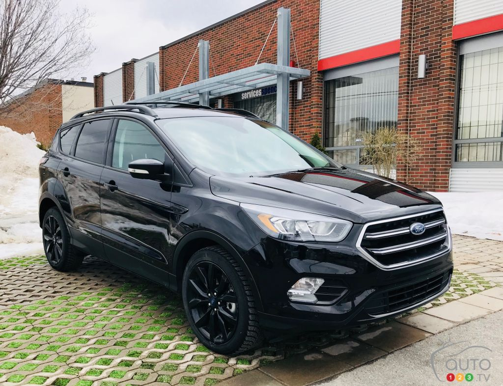 Review Of The 2018 Ford Escape Titanium Car Reviews Auto123