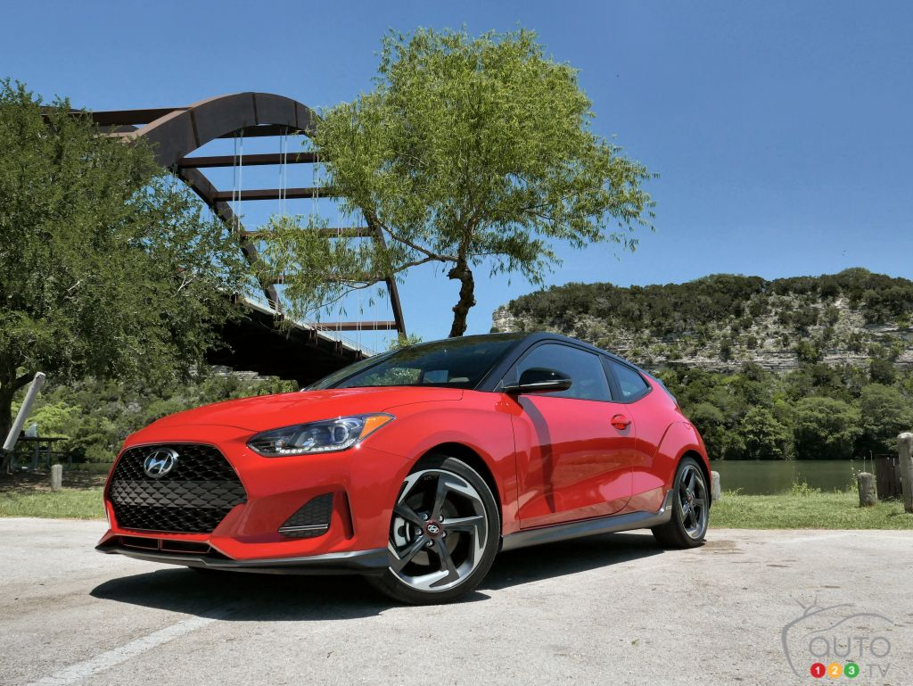 First Drive Of The 2019 Hyundai Veloster Car Reviews Auto123 Two Door