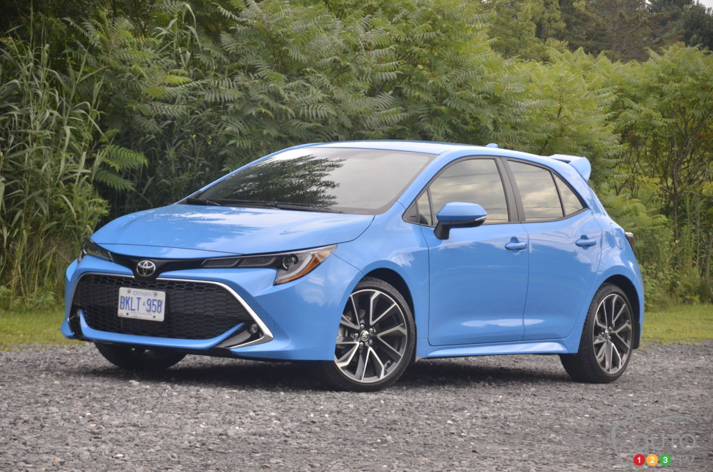 2019 toyota corolla hatchback first drive car reviews auto123. Black Bedroom Furniture Sets. Home Design Ideas