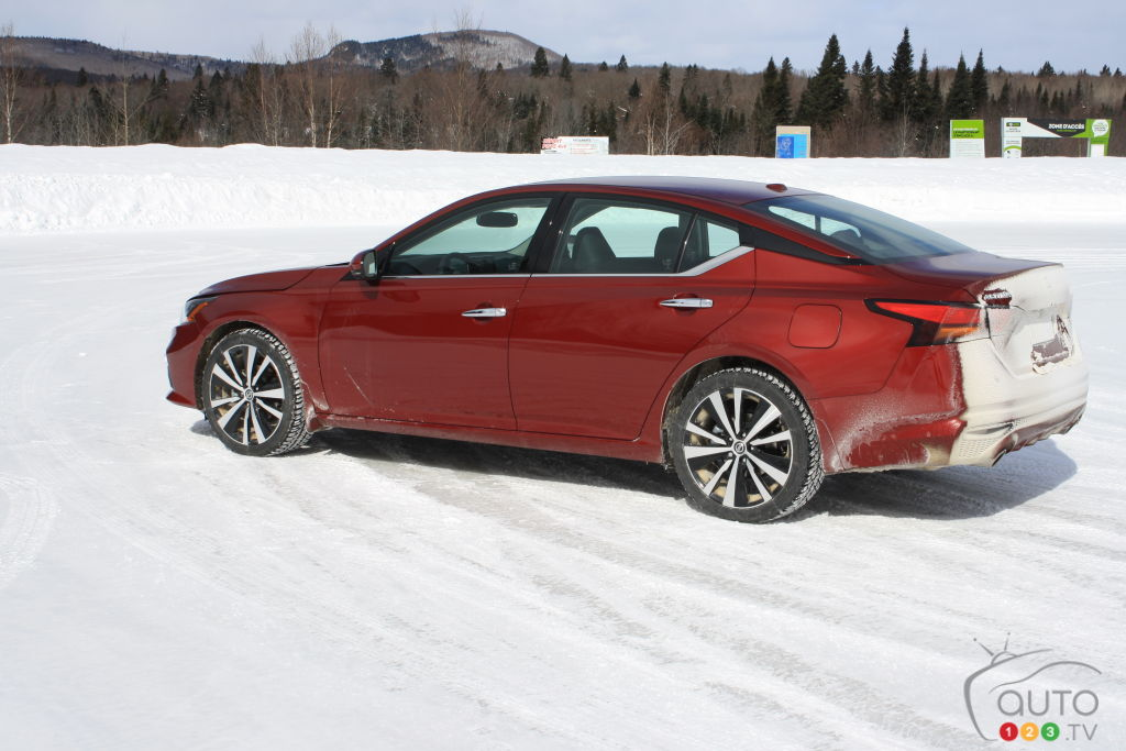 The 2019 Nissan Altima Review Tested In The Snow Car Reviews Auto123