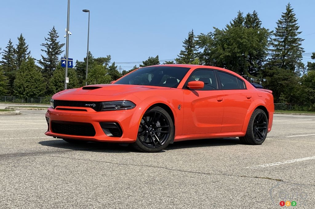 2020 Dodge Charger Srt Hellcat Widebody Review Car Reviews Auto123
