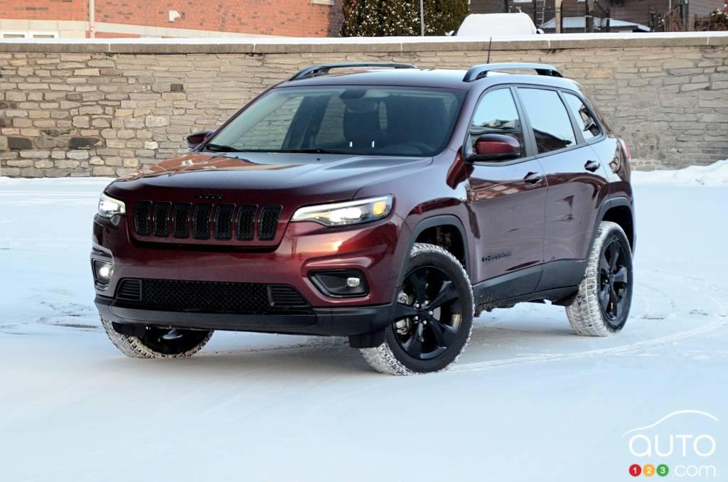 2020 Jeep Cherokee Altitude Review Car Reviews Auto123