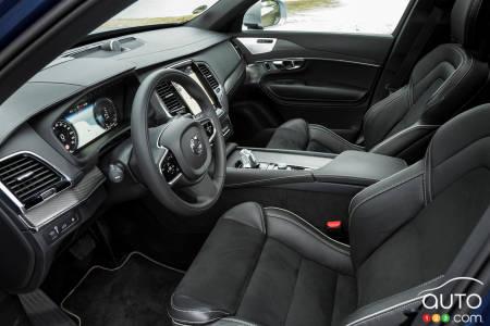 2020 Volvo XC90 T8 R-Design, front row seats