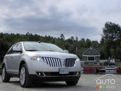 Unique and affordable luxury - The Lincoln MKX is proudly American, and shows off a bold and unique styling direction for the brand. It's daring and different, and that's a good thing for most.