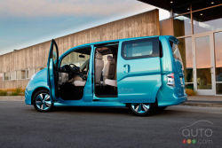 Video of the Nissan e-NV200 Concept at the Detroit Auto Show: Aqua Blue with a shade of green - Based on the NV200 small van, Nissan's e-NV200 Concept offers a zero-emission electric powertrain and a roomy, versatile interior. Nissan figures there is mass production potential for the vehicle.