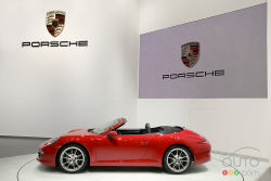 Stripping down - After the launch of the 2012 Porsche 911 Carrera and Carrera S Coupe, the time has come for the unveiling of the new-generation 911 Cabriolet.  As with the Coupe, the Carrera Cabrio will be equipped with a 3.4L flat-six that develops 350 hp and 287 lb-ft of torque, matched to a new 7-speed manual or a 7-speed dual-clutch, automated sequential gearbox. As for the Carrera S Cabriolet, it gets a 3.8L engine that produces 400 hp and 325 lb-ft.