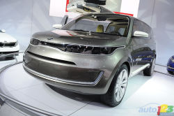 """Minivan of the future - Kia presented the KV7 concept, a modern """"activity van"""" that can carry a large number of people and their personal items while serving as a social hub for groups of friends and adventure seekers. Auto123.com's Matt St-Pierre interviewed Peter Schreyer, head of design at Kia, for his take on the KV7."""