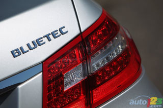 2011 Mercedes-Benz E350 BlueTEC video