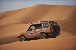Vidéo d'un entraiement pour le Trophée Rose des Sables 2013: Ce rallye, uniquement réservé aux filles, gagne en popularité au Québec. Bien que son point de départ soit en France, c'est au Maroc qu'a lieu la majeure partie de cette expédition. En plus d'être une aventure de 10 jours, le Trophée Rose des Sables permet de venir en aide aux enfants du sud du désert marocain.  Auto123 a eu la chance d'être témoin de la préparation de quelques participantes du Trophée Rose des Sables, qui se déroulera en octobre 2013.