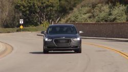 Here is some footage of the Genesis G90 various details and driving dynamics.