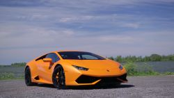 The sweet tune of the 610 hp V10 engine of the Lamborghini Huracan.