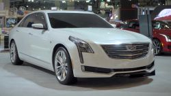 The new Cadillac CT6 sets its own bar and consumers will take notice, if they give it a chance.