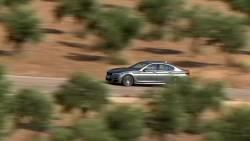 La toute nouvelle Série 5 de BMW est ici.
