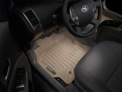 Product review; WeatherTech FloorLiner DigitalFit 2014: A car accessory sometimes overlooked yet very useful is floor mats. Auto123.TV has tested the WeatherTech FloorLiner DigitalFit, an american product that innovates by their three-dimensional measuring that produces a floor mat that hugs the shapes of the floor of your car. Is it all hype or is it very effective? That is what we discuss in this video.