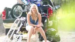 2014 LadiesClass april video: Vanessa Paquette (french): LadiesClass is a calendar and multimedia project that features some of the best motocross and endurocross female riders in the province of Quebec. Meet Vanessa Paquette!