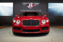 As you would expect, the Conti V8 is no slouch. With a pair of turbos, the 4.0L engine develops no less than 500 hp. Fuel consumption is good at 11.2L /100 km given the available power. The 2012 Bentley Continental GT V8 reaches 100 km/h in 4.7 seconds, on its way to a top speed of 301 km/h.