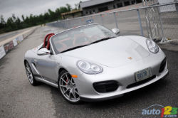 Concentrated formula - The Porsche Boxster Spyder is no standard car. In an un-salted, organic nutshell, this particular Boxster model is an engineering exercise in high-performance lightweight construction.