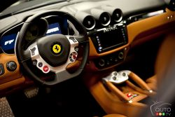 The Ferrari FF (Ferrari Four) refers to its four places and its four motor wheels.