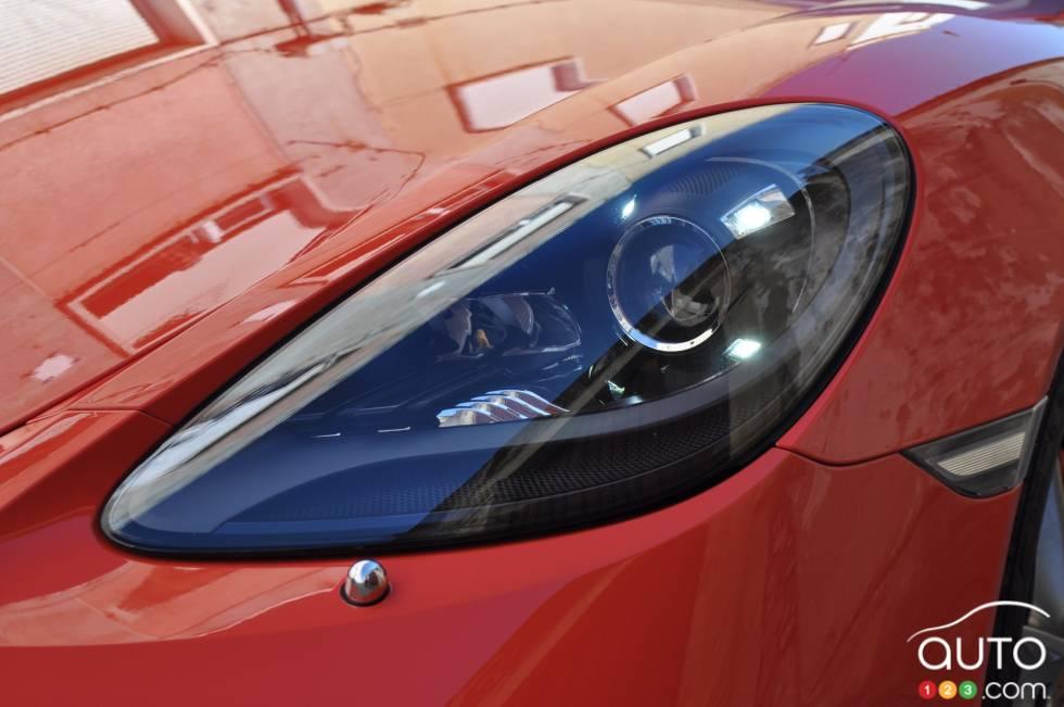 2017 Porsche 718 Boxster S headlight