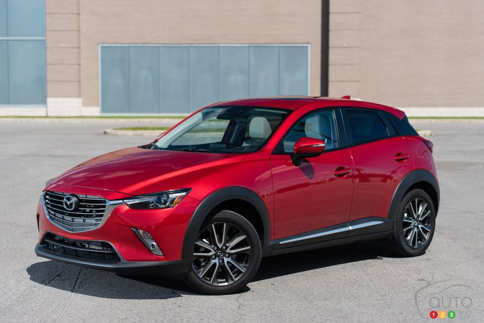 2016 Mazda CX-3 GT front 3/4 view