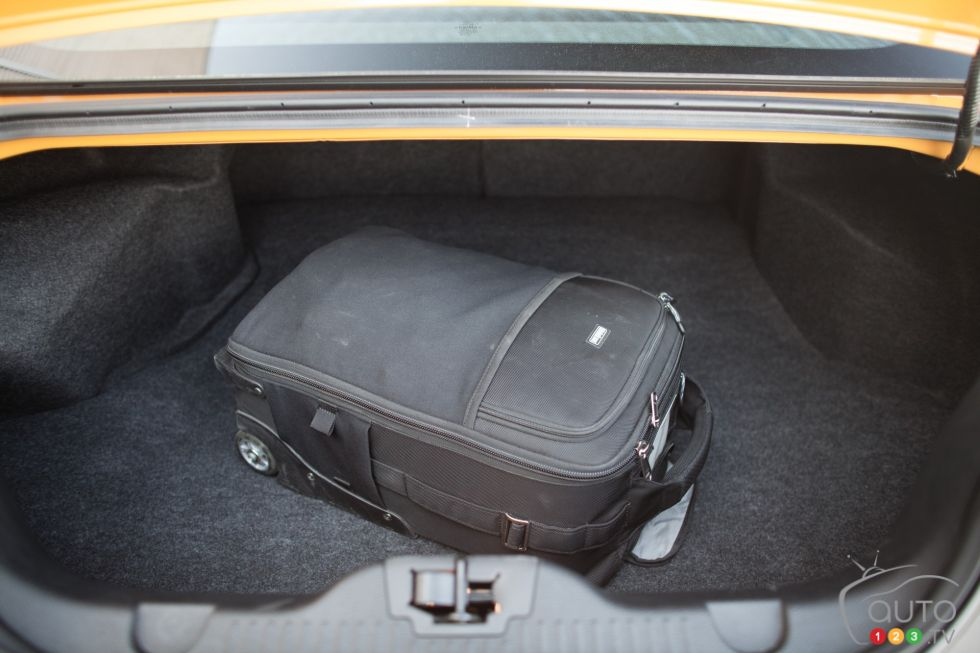 used ford mustang for sale autolist autos post. Black Bedroom Furniture Sets. Home Design Ideas