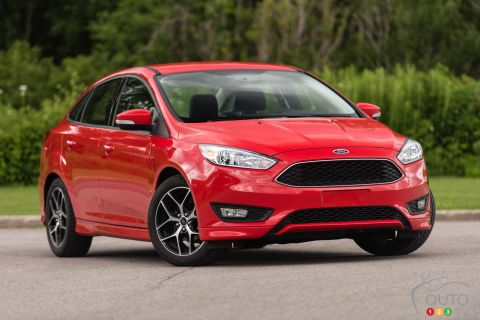 2015 Ford Focus SE Ecoboost sedan pictures