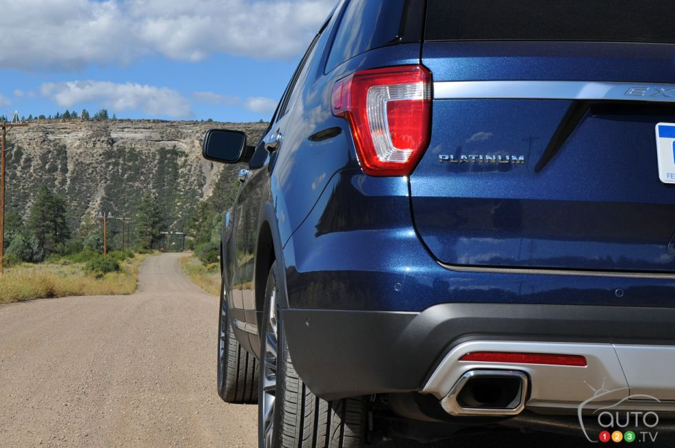 2018 lincoln navigator spied.  spied in the case of continental and explorer sportplatinum for example  integrated exhaust tips are just chrometrimmed openings attached to their  throughout 2018 lincoln navigator spied