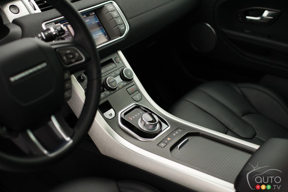 photo du land rover range rover evoque pure 2013 sur. Black Bedroom Furniture Sets. Home Design Ideas