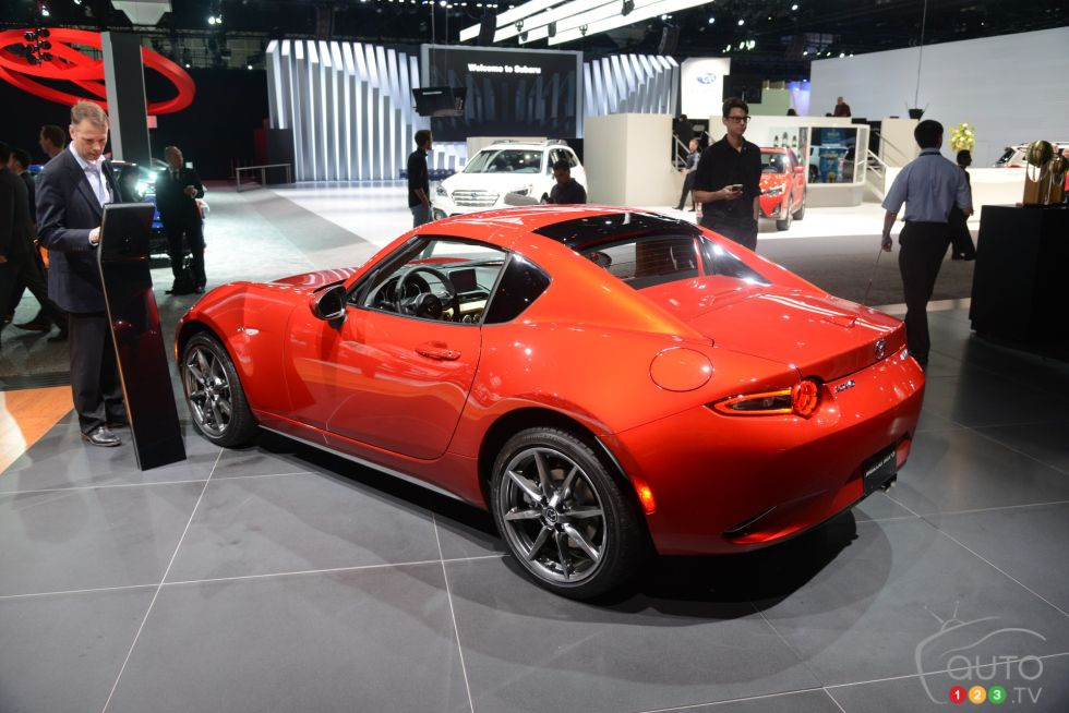 Discover some 2017 models !: 2017 Mazda MX-5 RF rear 3/4 view