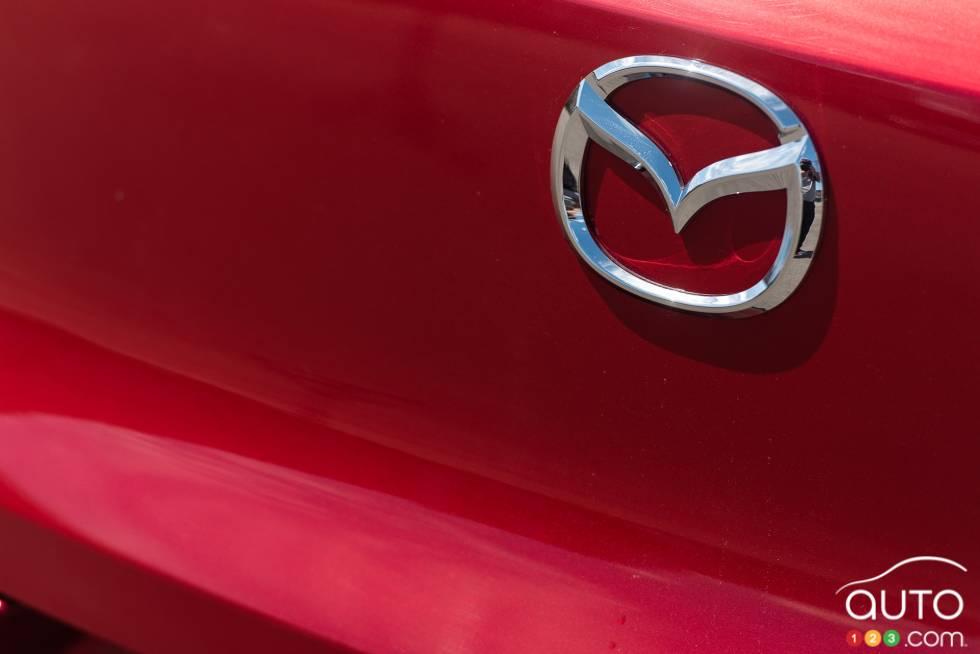 2016 Mazda CX-3 GT manufacturer logo
