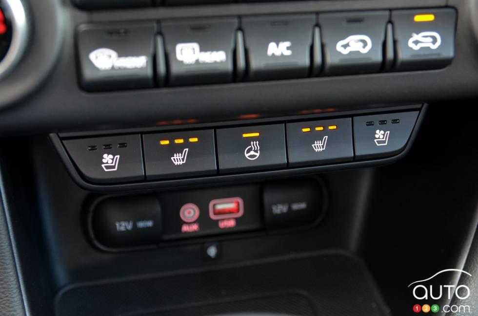 2017 Kia Sportage front heated seats controls