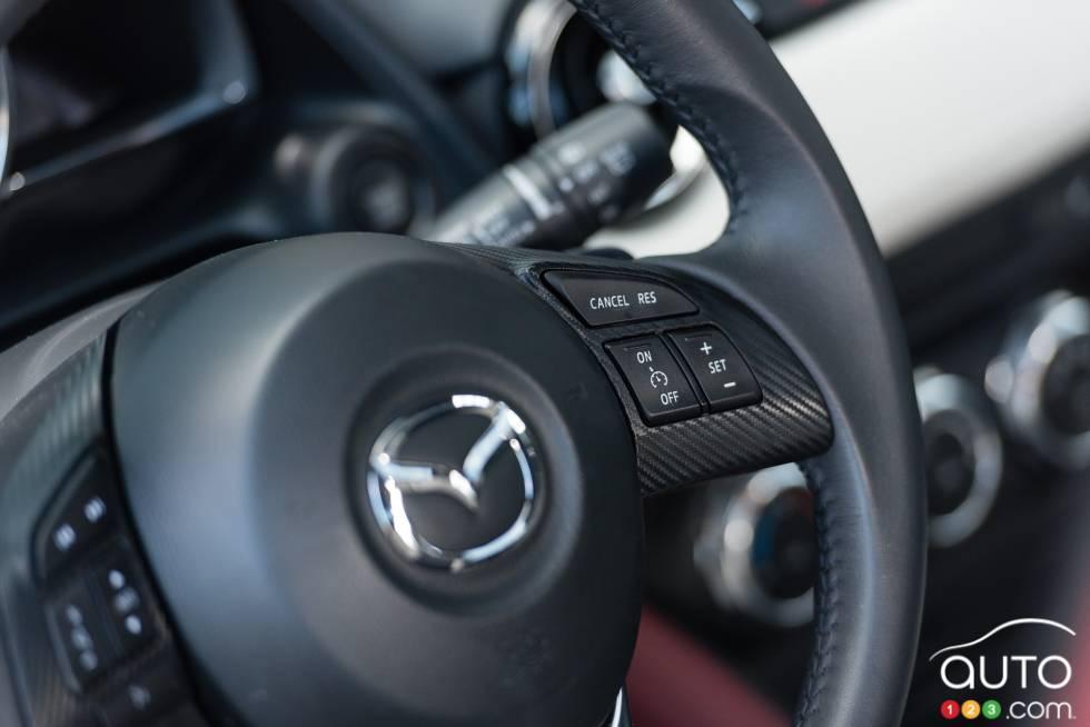 2016 Mazda CX-3 GT steering wheel mounted cruise controls