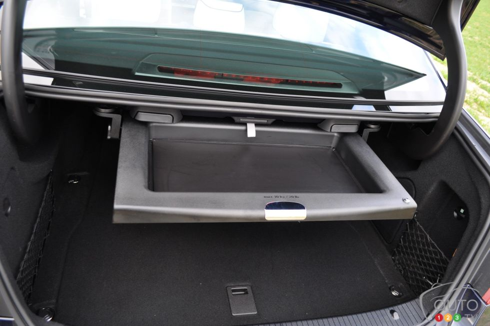 2014 mercedes benz e class picture on for Mercedes benz car trunk organizer
