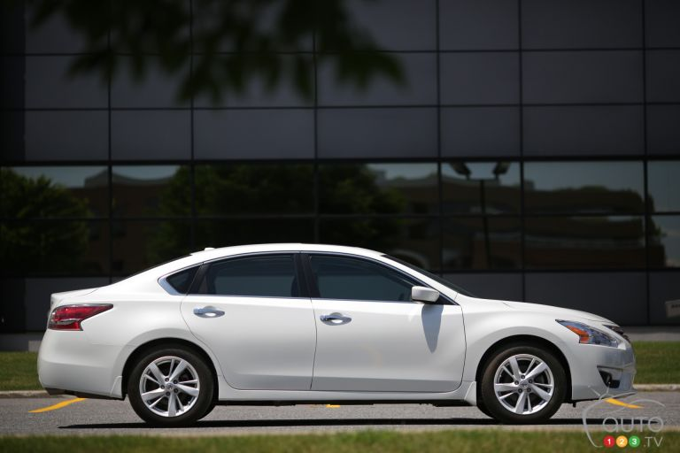 2014 Nissan Altima 2.5 SV pictures