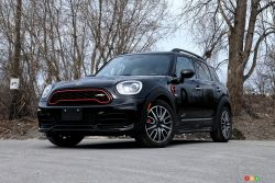 Nous conduisons la MINI Countryman JCW Midnight Black Edition 2019