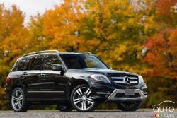 Viril à l'extérieur comme à l'intérieur - Le VUS Mercedes-Benz GLK 350 4MATIC 2013 n'est pas forcément le champion de sa catégorie, mais sa liste d'options et d'accessoires haut de gamme ainsi que le symbole indéniable de son étoile à trois pointes sur la calandre le rendent très attrayant.