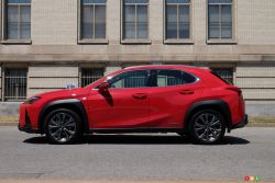 We drive the 2020 Lexus UX 250h