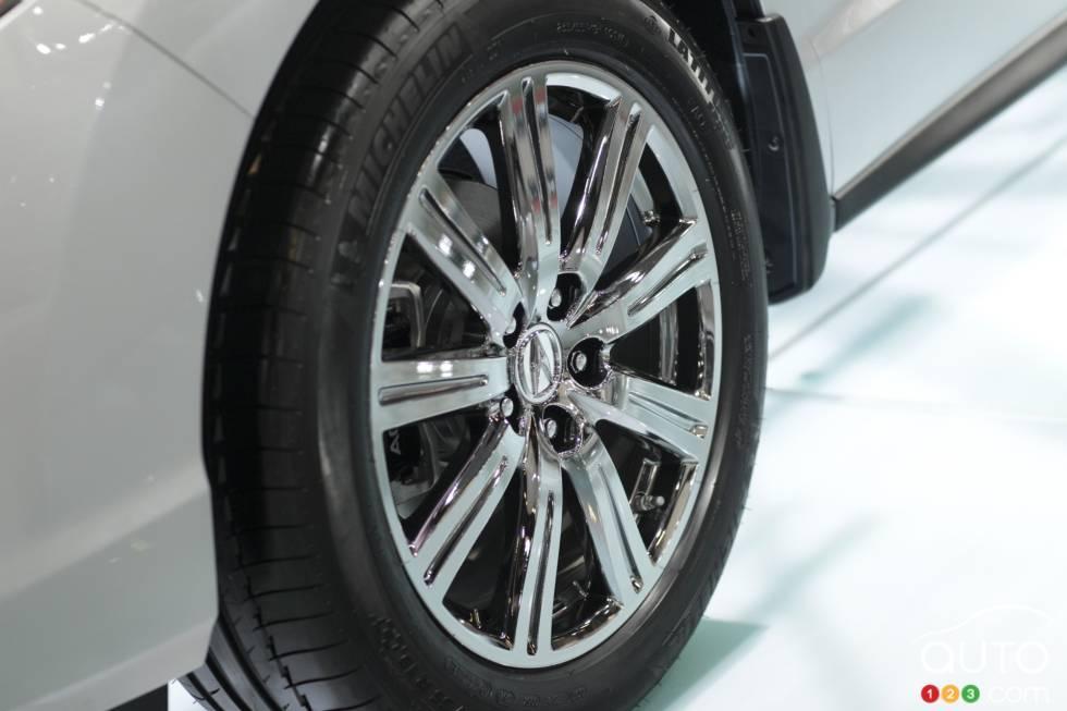 Front left wheel details