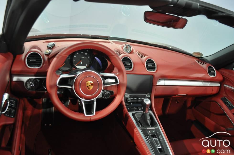 2017 Porsche 718 Boxster S dashboard