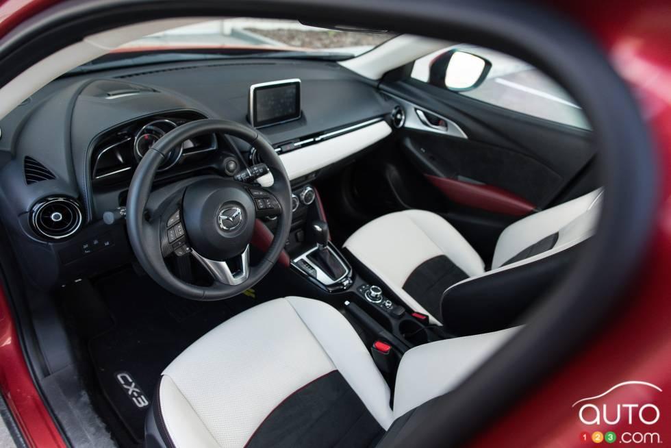 2016 Mazda CX-3 cockpit