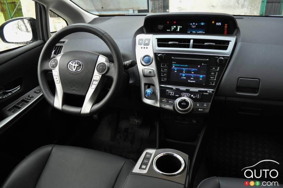 2016 Toyota Prius V Dashboard
