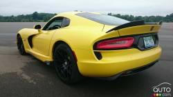 2016 Dodge Viper rear 3/4 view
