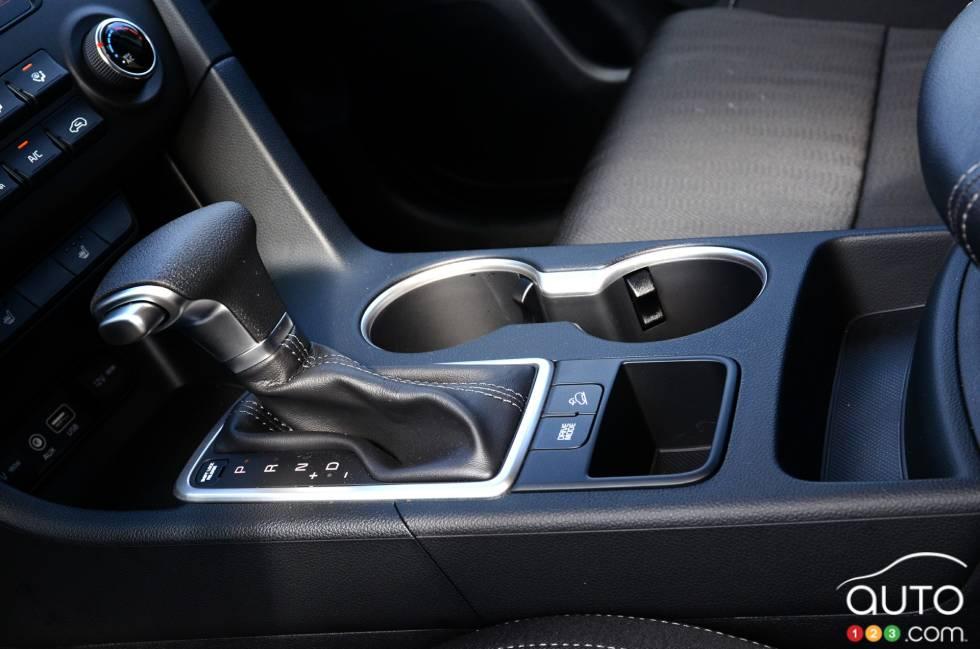 2017 Kia Sportage shift knob