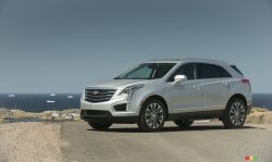 2017 Cadillac XT5 front 3/4 view