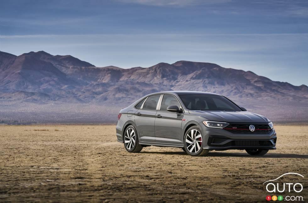 2019 Volkswagen Jetta GLI debuts at the Chicago Auto Show: 3/4 front view
