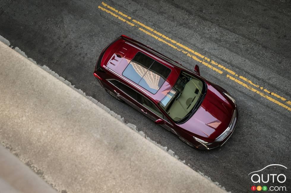 Vue du haut du Cadillac XT5 2017